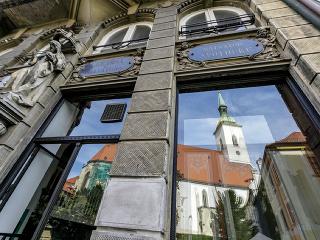 V Bratislave po 25