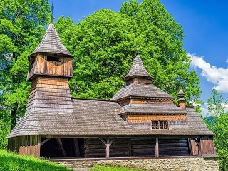Drevený kostol, Lukov -