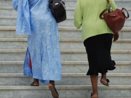 Miestne ženy, Rabat