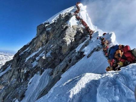 Najsmutnejšia fotka Everestu: Ľudia