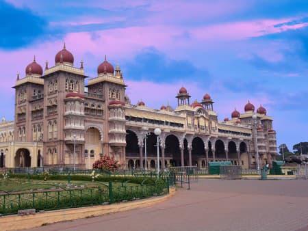 Maisúrsky palác, India