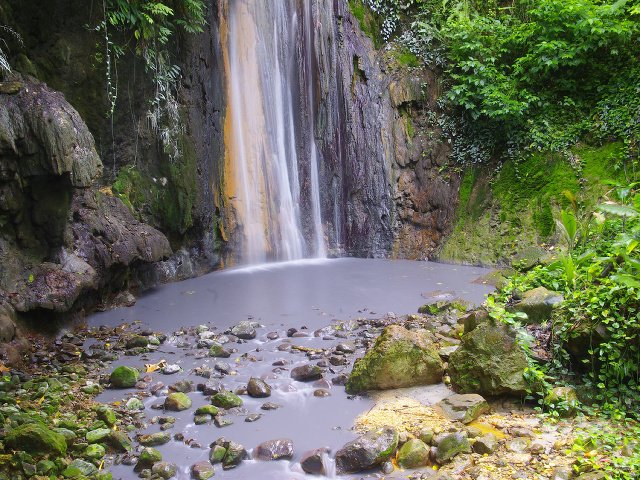Diamantové vodopády, Svätá Lucia