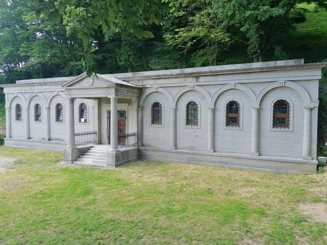 Hrobka rodiny Barkóczyiovcov pod