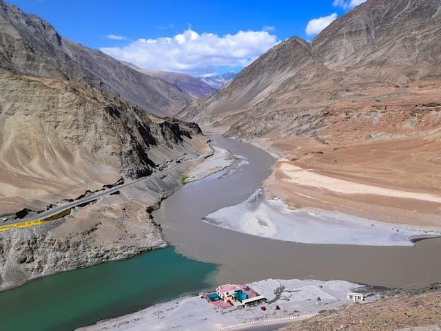 Spojenie riek Indus a