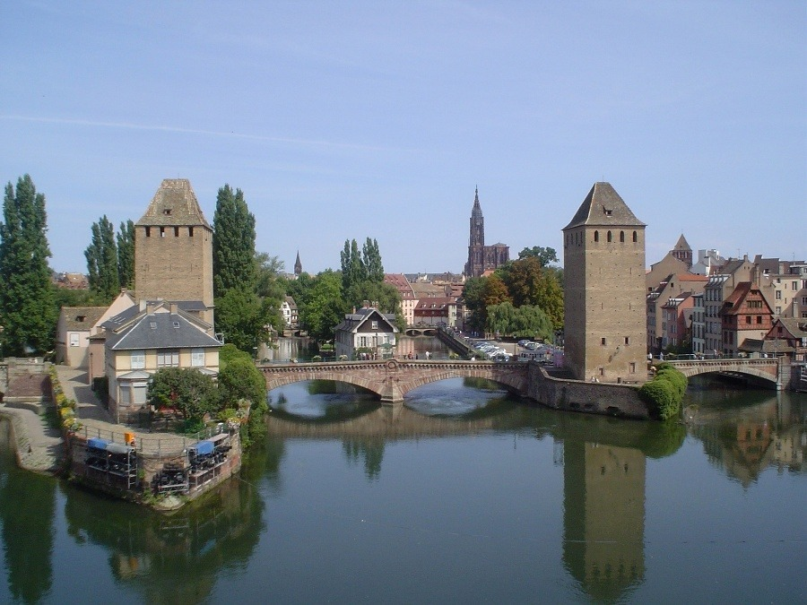 Práca datovania pigier Štrasburg