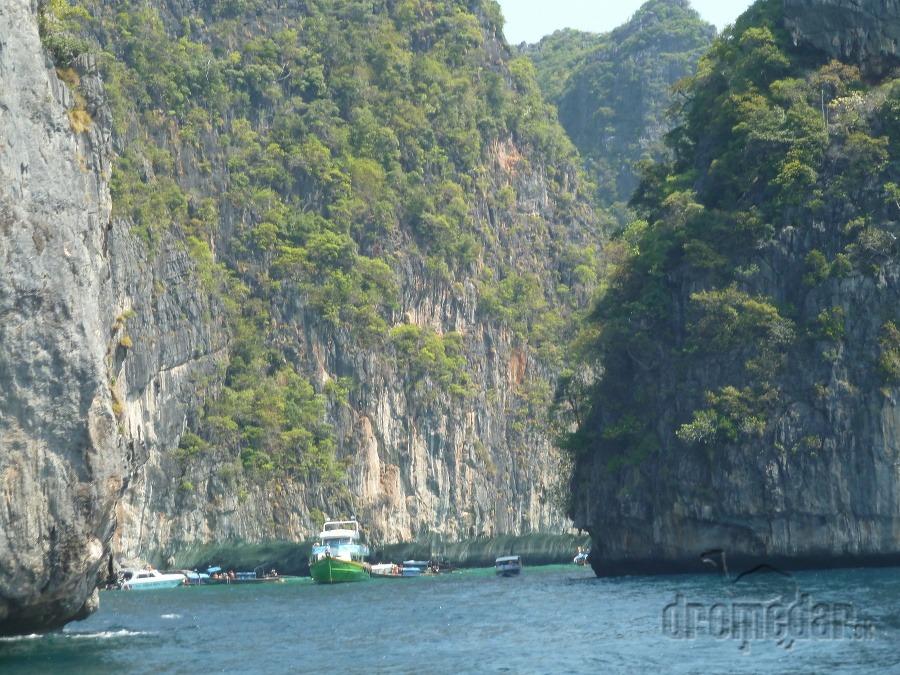 2f3d323f2c4 Filmová pláž Maya Bay naozaj existuje - v Thajsku