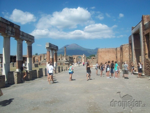 Vezuv a Pompeje nasiaknuté