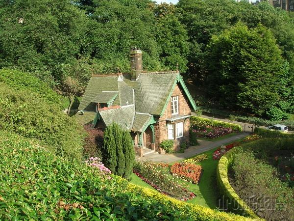 Domček v parku, Edinburg