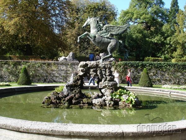 Známa fontána v Mirabell