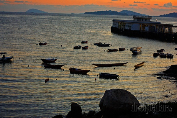 Prístav na ostrove Lama,