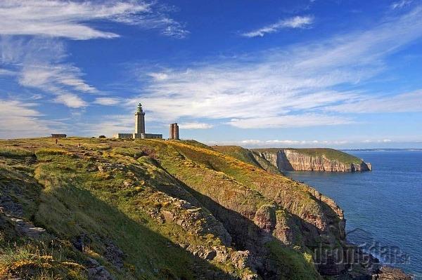 Skalnaté pobrežie Bretónska