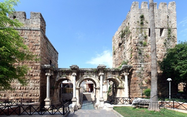 Hadriánova brána, Antalya, Turecko