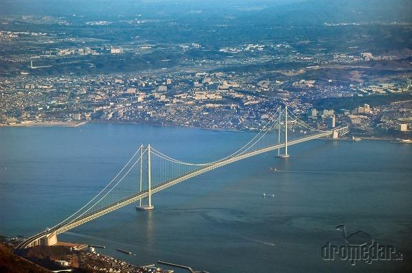 Akashi Kaikyo Bridge, Japonsko