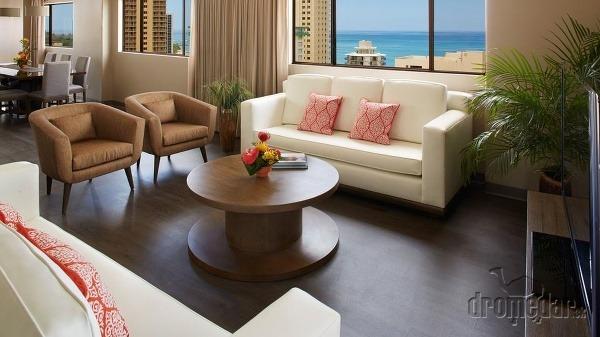 Vive, Honolulu