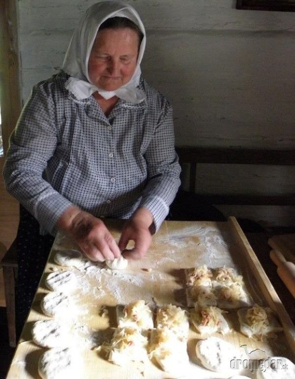 kniha Poklady slovenskej kuchyne