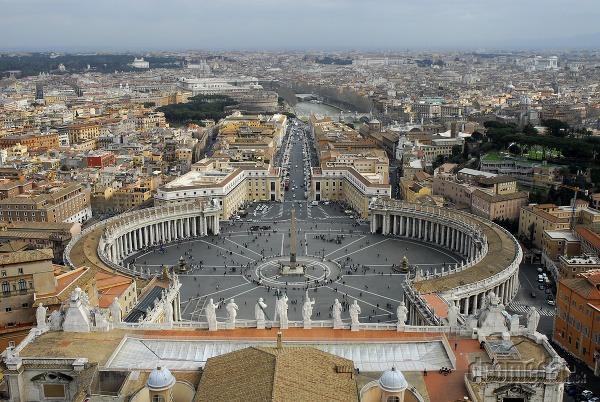 Vatikán, Taliansko