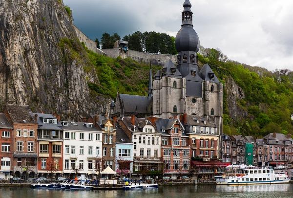 Dinant, rieka Meuse, Belgicko