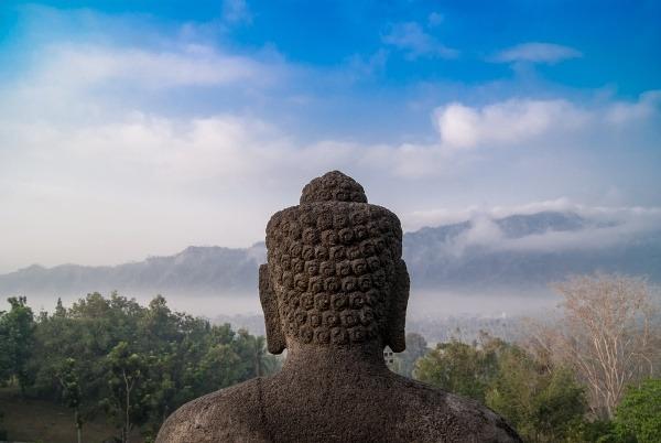 Budhova hlava v chrámovom