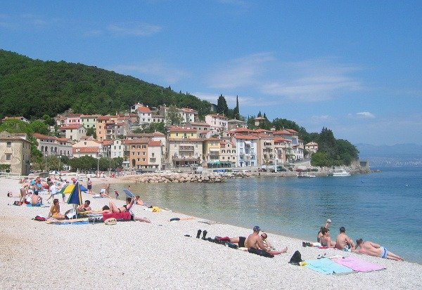 Pláž v dedinke Moščenička