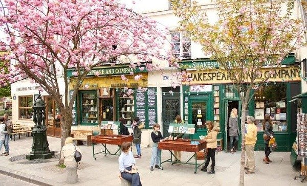Shakespeare & Company v