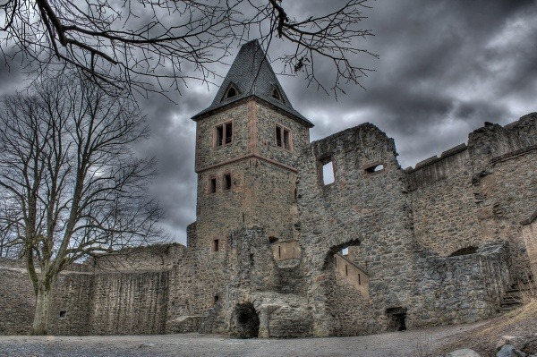Zámok Frankenstein, Nemecko