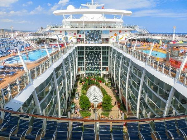 Rekordy zaoceánskych výletných lodí:
