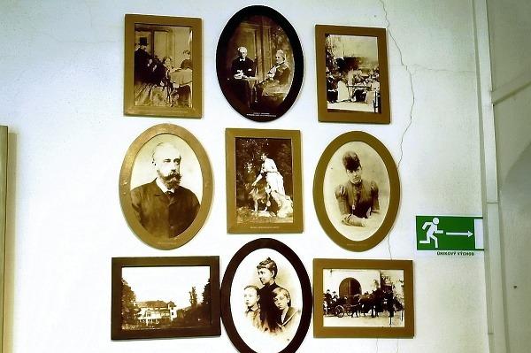 O niektorých príbehov slovenských
