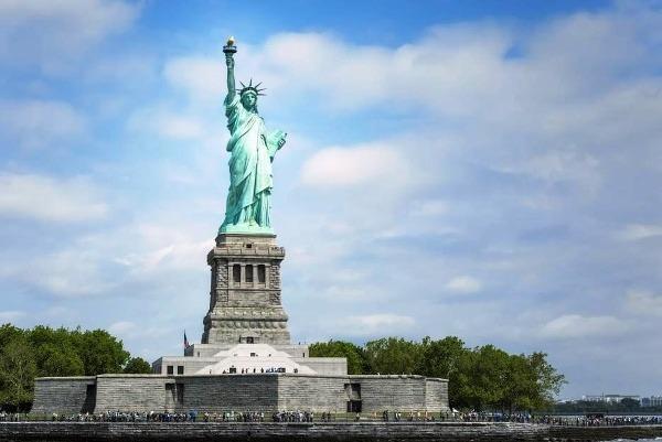New York, včítane sochy