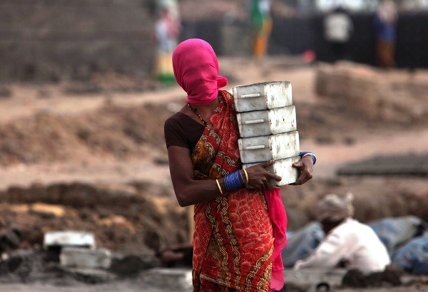 Indická žena so zakrytou