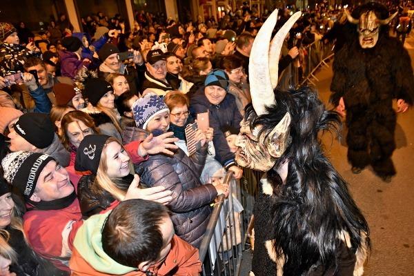Pochod čertov v Piešťanoch