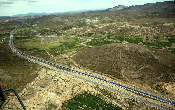 Bolívijčania rozvinuli takmer 200-kilometrovú