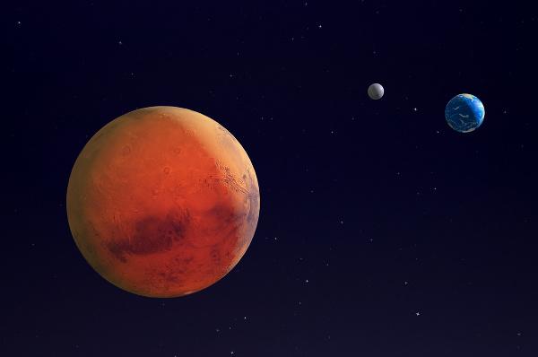 Mars, Zem a Mesiac.