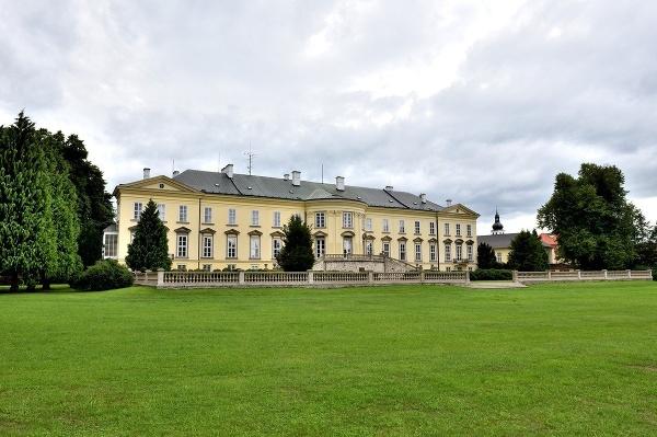 Krásný Dvůr, Česká republika