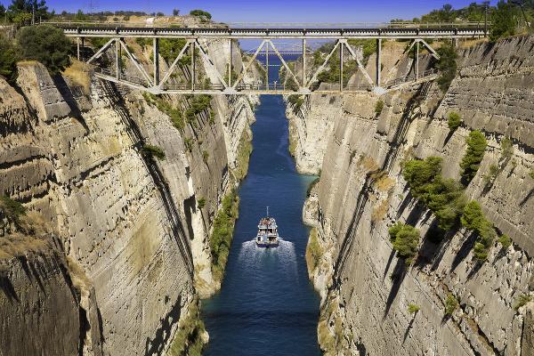 Korintský prieplav, Peloponéz, Grécko