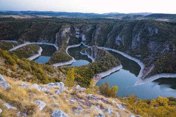 Meander rieky Uvac, Srbsko