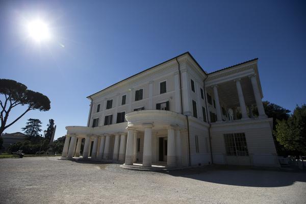 Villa Torlonia, Taliansko