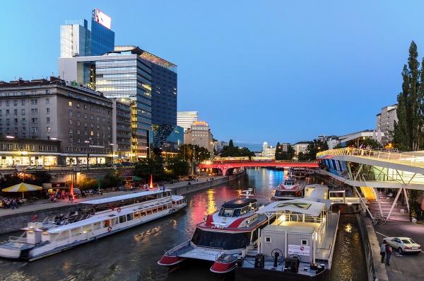 Rameno Dunaja, Viedeň