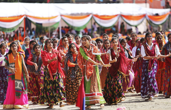 Na snímke indické študentky