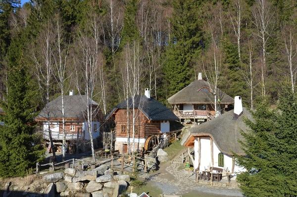 Hotel Podlesí a Pohádková