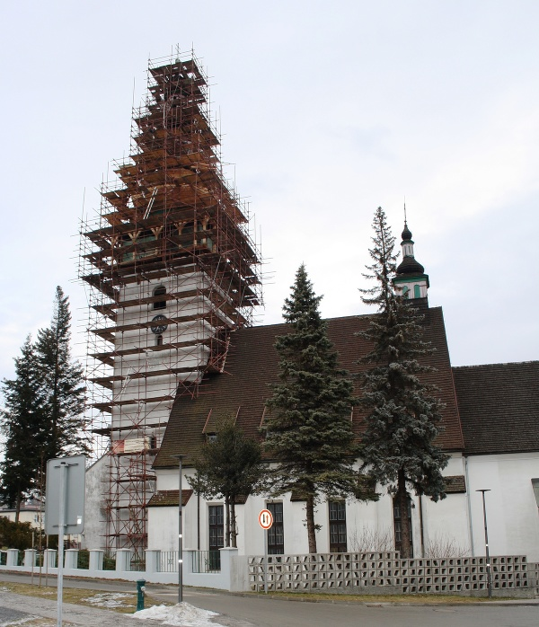 Opravu veže Kostola sv.