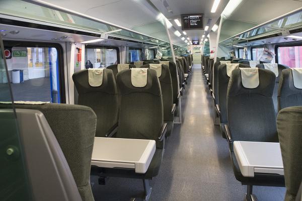 Súprava nového priameho vlaku