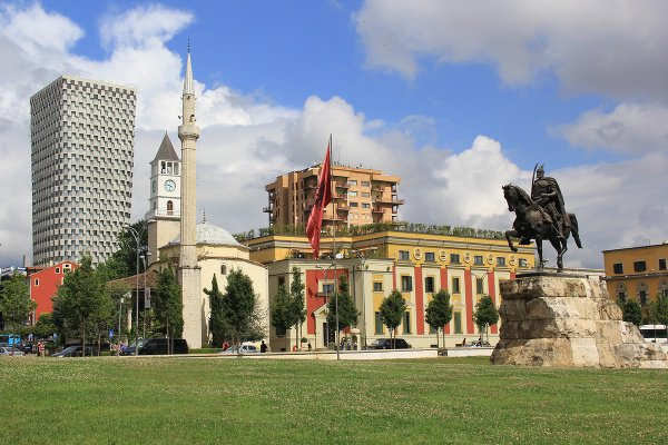 Tirana, Albánsko