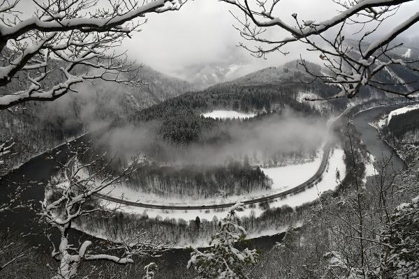 Domašínsky meander v pohorí
