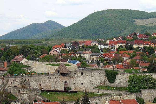 Hradby, Jáger, Maďarsko