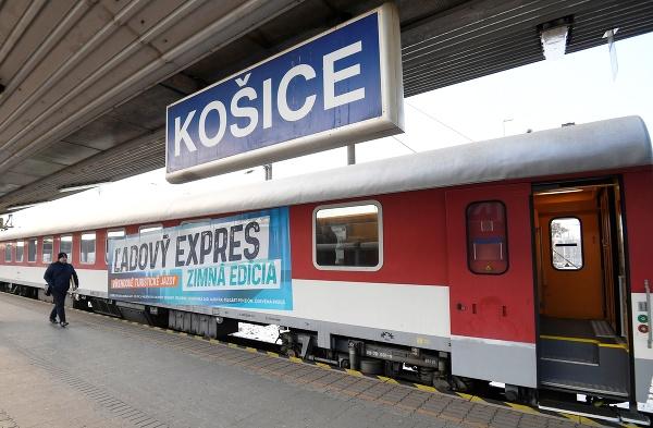 Špeciálny turistický vlak aj