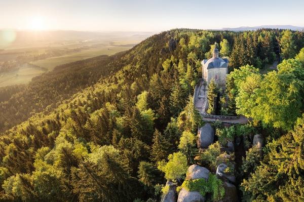 Kaplnka Hviezda a Broumovské
