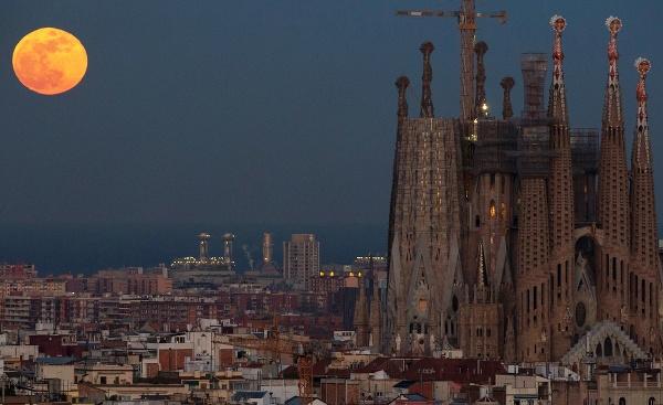 Sagrada Familia v španielskej