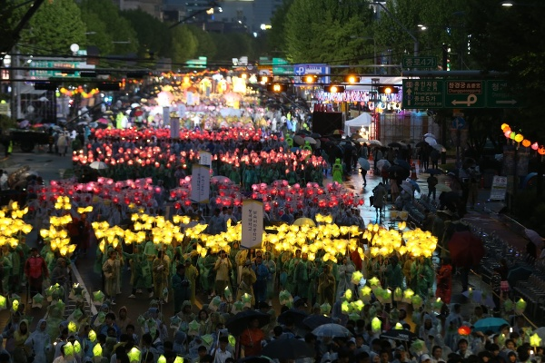 Lampiónový festival Lotus (Yeon