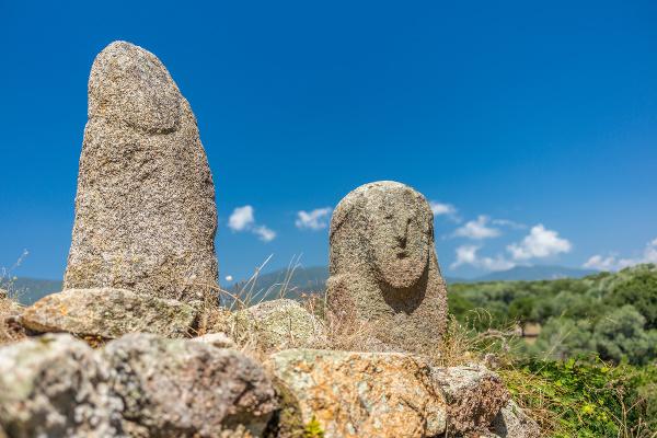 Prehistorické menhiry vo Filitose