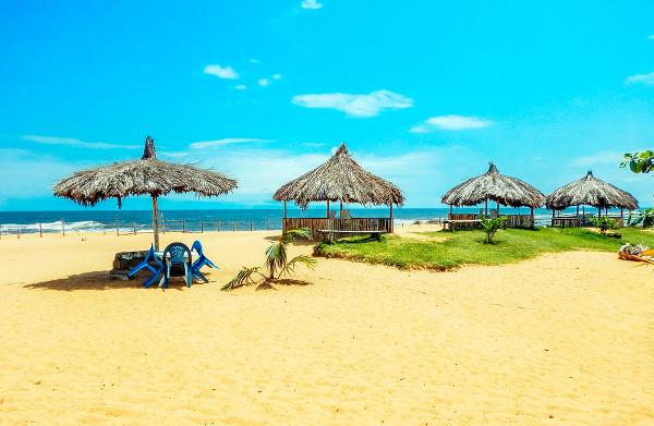 Pláž neďaleko Monrovie v